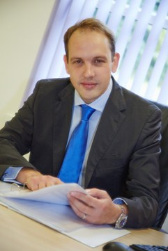 James Newman Consultant Knee Surgeon