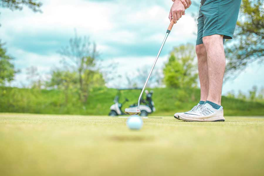 Enjoy playing golf again after specialist knee treatment