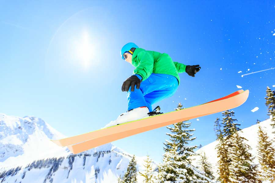 Skiing knee injury treatment available at Yorkshire Knee Clinic