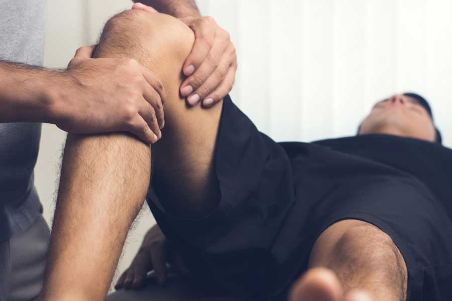 Knee injury physio treatment